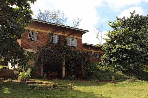 Villa at foot of Zomba Mountain near town centre