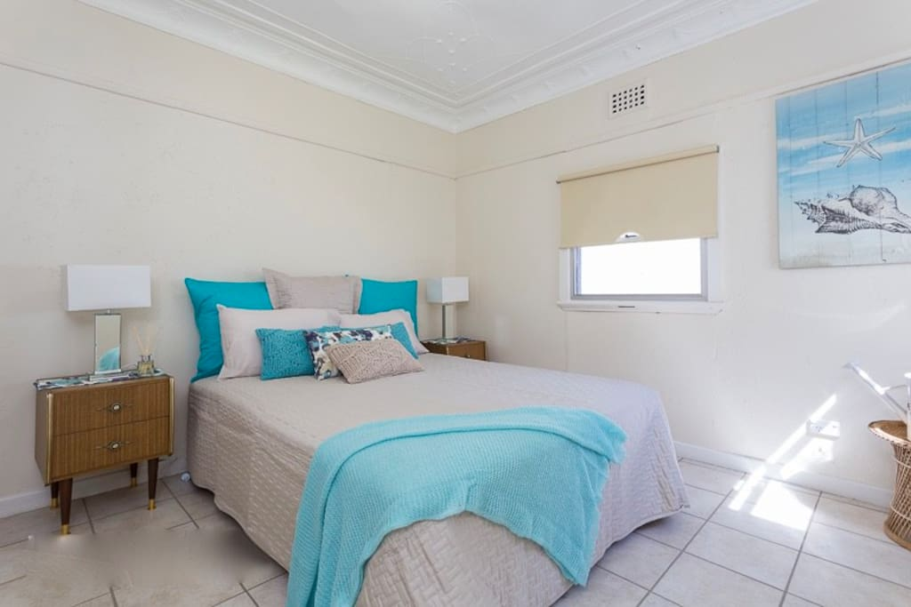 Bedrooms have queen size beds or two single beds