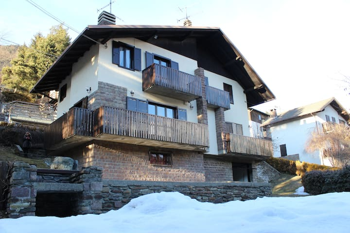 Villa con giardino - Ponte di Legno - House