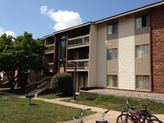 Lincoln Place Apartment near CS department - Urbana - Flat