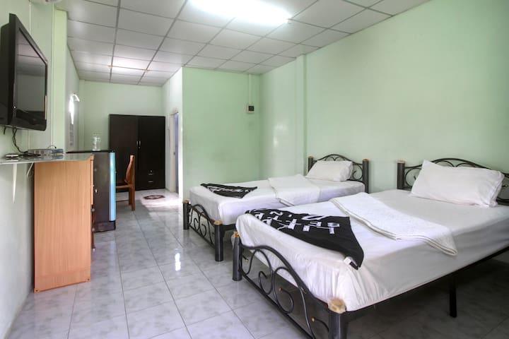 Bonus Bungalow Room 1