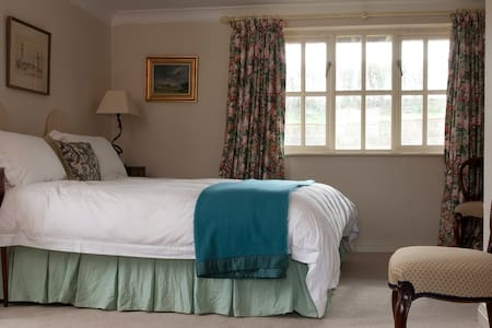 B&B Oddington superking ensuite - Upper Oddington, Moreton in Marsh