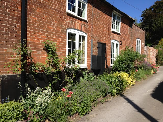 Mill Cottage Yoxford - SAXMUNDHAM