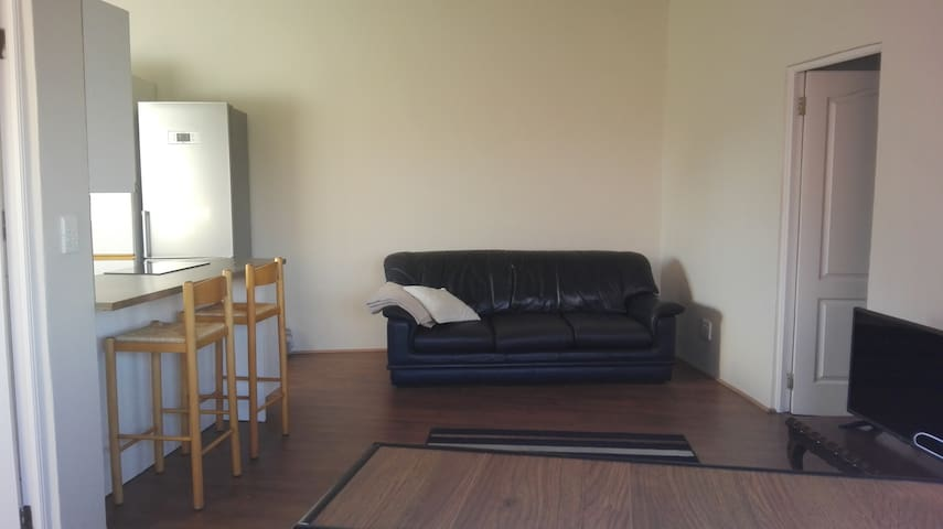 Edenvale/Airport/Golf - 2-Bed Apart; 9kms - airpt