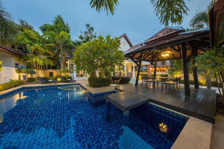 Villa 4 Bedroom Private Pool for 12+ person - Muang Pattaya - Villa