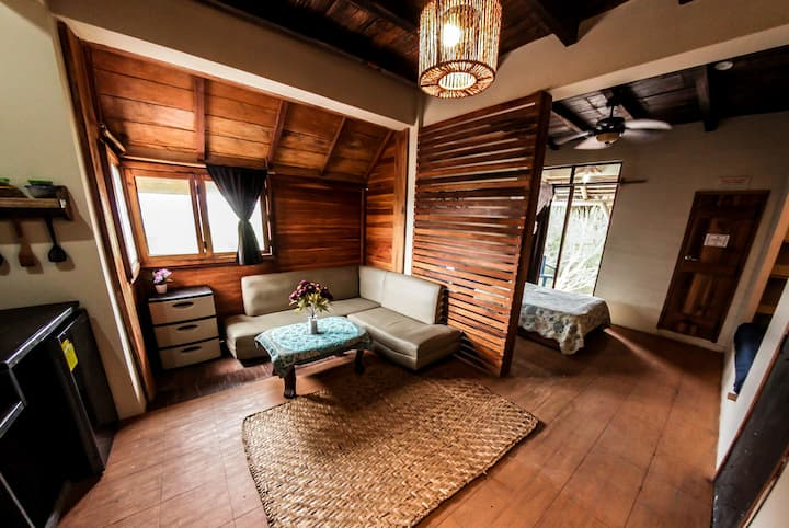 Beachfront Suite - free yoga @ La Casa (Tagua)