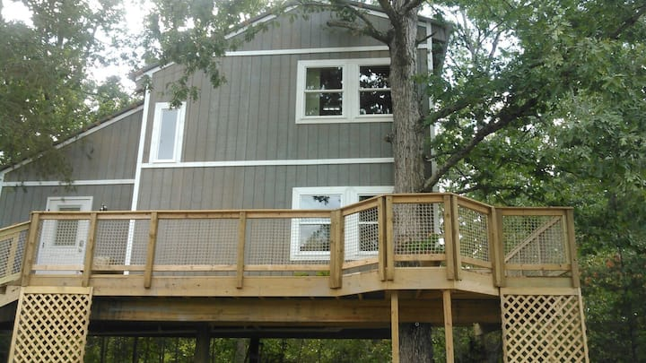 TerrificTreehouse! Perfect treetop adventure!