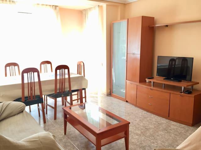 Apartamento muy  grande y cómodo cerca estación