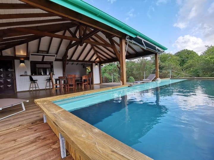 Villa indépendante atypique, superbe vue, piscine