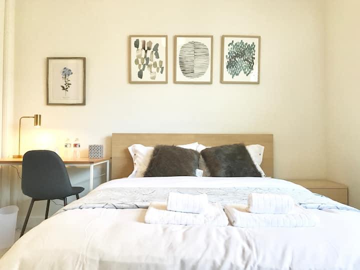 Cozy Private Room with Private Bath