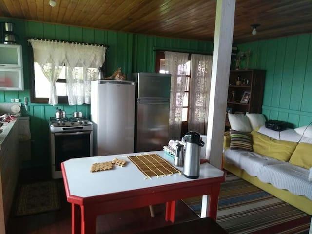 Cozinha conjugada com sala de estar