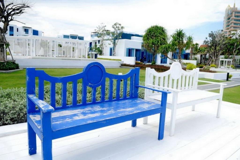 Sea-side Resting Area