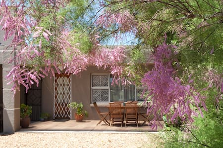 Cosy Air-Conditioned Self-Catering Cottage - ケープタウン - アパート