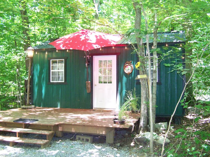 Watertree Tiny House!  Getaway in Style!