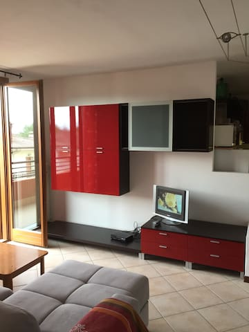 Modern flat in a quiet and relaxing area - Terzo D'aquileia - Apartemen