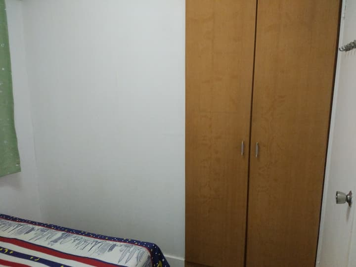 Cheap And Convenient Room Availabale ( SW21b)