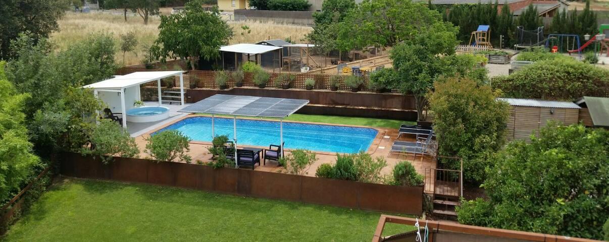 Casa rural con piscina climatizada y jacuzzi