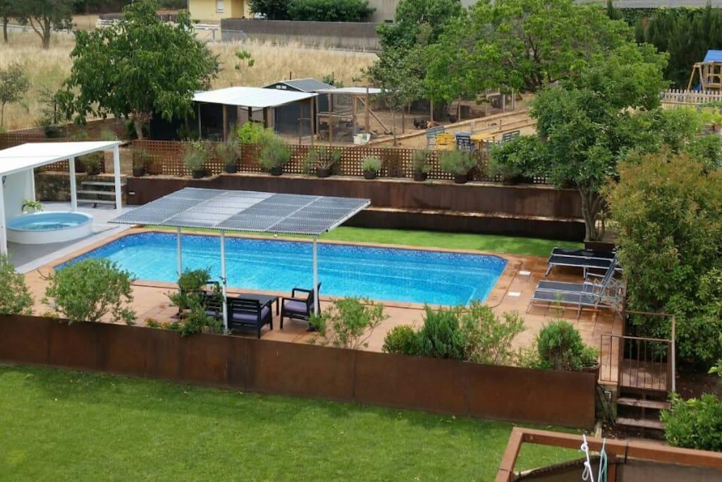 Casa rural con piscina climatizada y jacuzzi cottages louer ordis catalunya espagne - Casa rural catalunya piscina interior ...
