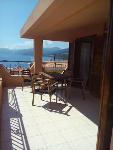 Appartamento a Cala Gonone Vista panoramica - Cala Gonone - อพาร์ทเมนท์