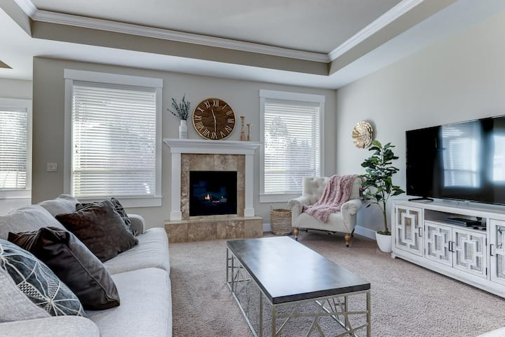 *NEW* Charming Single Level, Meridian Home