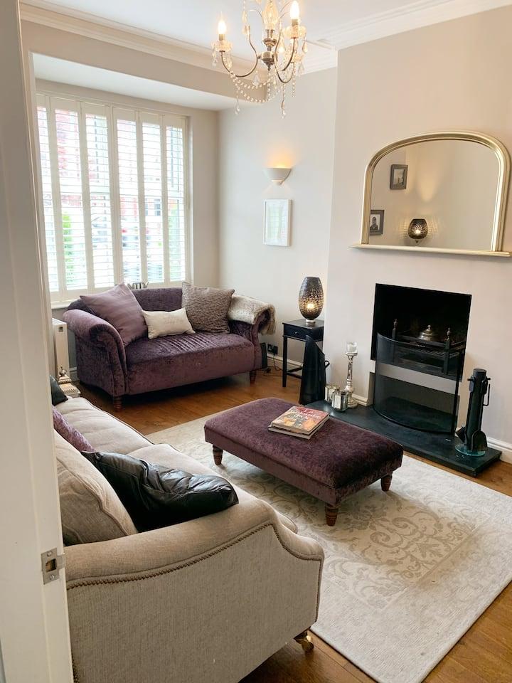 Spacious 3 double bedroom House in Alderley Edge