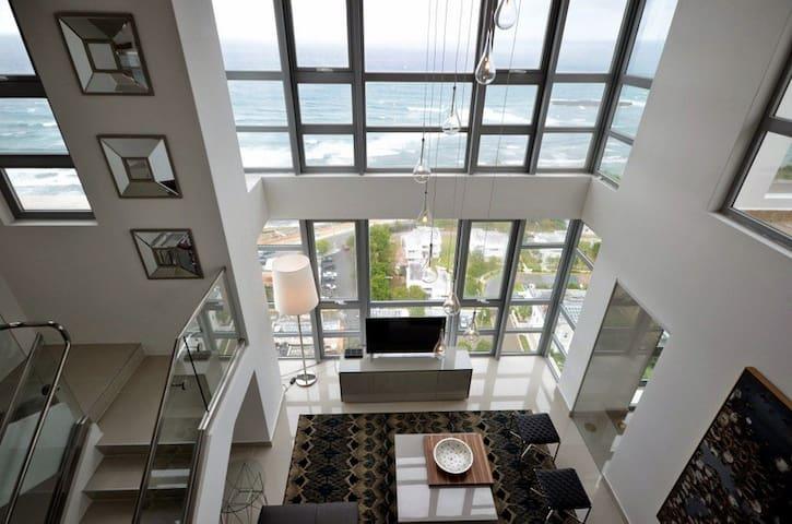 Sky Loft - Stunning 3bed/3bath Penthouse