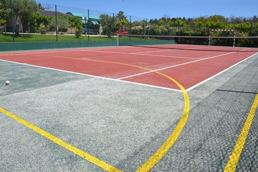 Terrain de tennis / campo de tenis