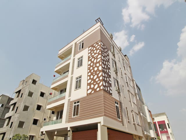 OYO - Spacious 1BR Home in Hyderabad - Flash Deal!