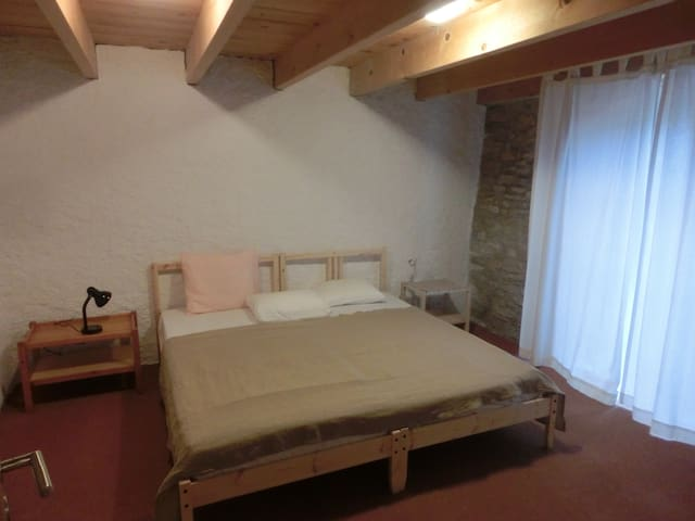 2-Zimmer-Wohnung - Arlesheim - Daire