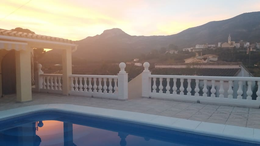 Detached Villa, Private Pool, Wi-Fi, BBQ, Air-Con - Parcent - Villa