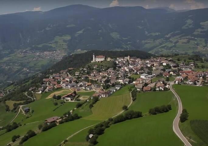 Schöne grosse Ferienwohnung mit Panoramabalkon