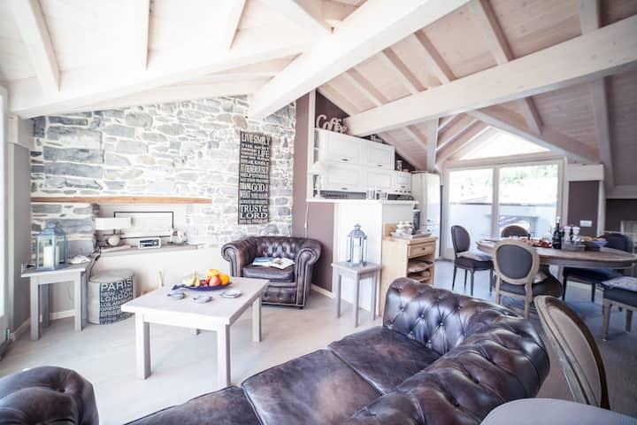 The Castle Loft, luxury apartment