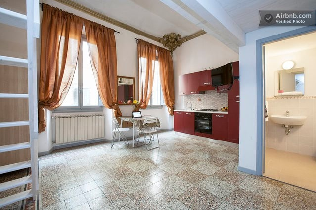Buy an apartment in Florence for 40000