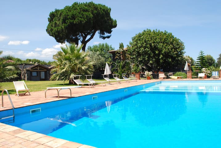 Casa del Giardiniere; Etna sea  - Acireale - Chalet