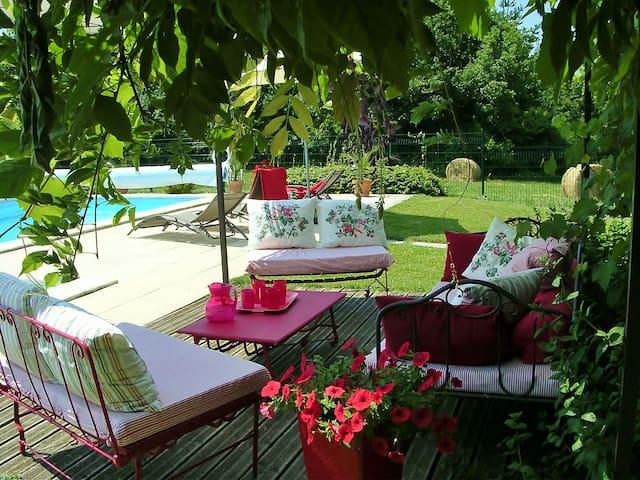 Dordogne champêtre ferme rénovée - Bussac