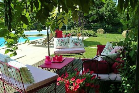 Dordogne champêtre ferme rénovée - Bussac - Haus