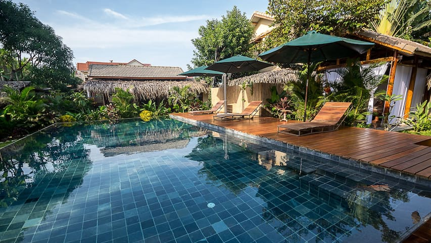 Anicca villa with private garden swimming pool h user for Garden pool hanoi