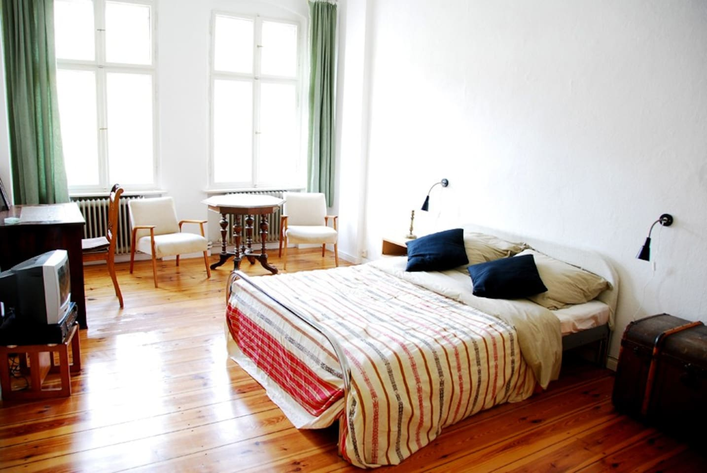 Cozy Apt close to central metro station: Get anywhere in no time!