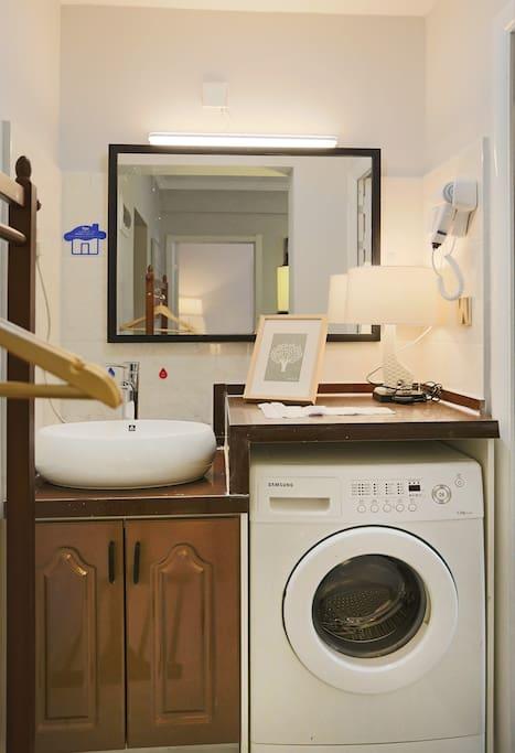 房间有洗衣机,可以自助洗衣