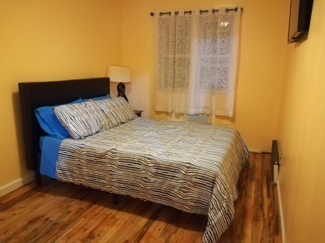 Great cozy bedroom