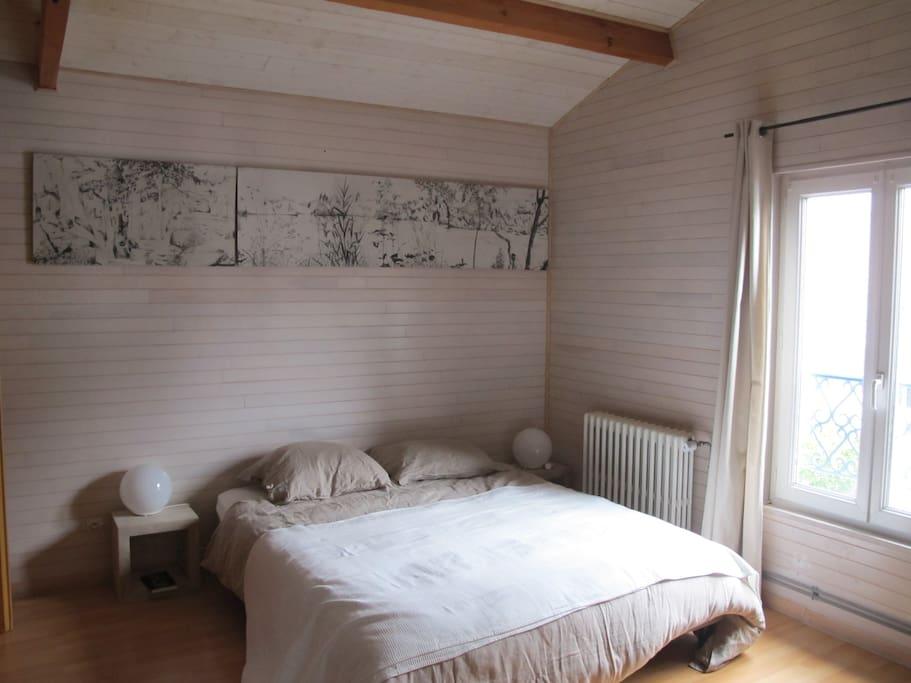 Chambre 1 : lit de 160*200