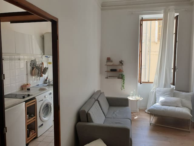 Lovely, Safe & Central Stay in Marseille