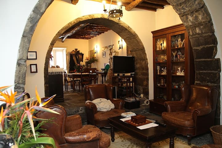 Ponta Delgada Rural House - Ponta Delgada - House