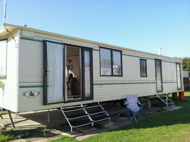 Carnaby Claret Static Caravan  - Leysdown-on-Sea - Sommerhus/hytte