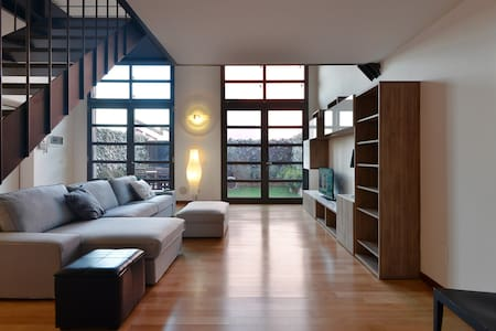 Beautiful Loft+garden+parking  - Milan