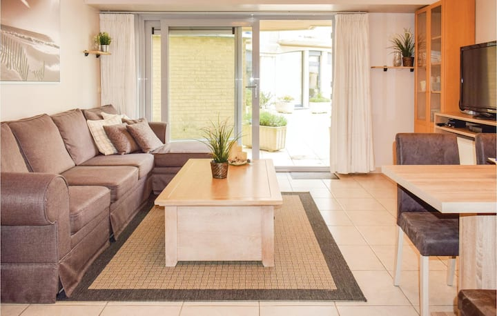 Holiday apartment with 2 bedrooms on 60m² in Oostende