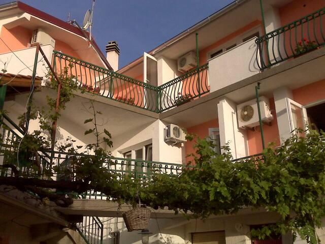 Beautiful apartment for four people - Tisno - Apartamento