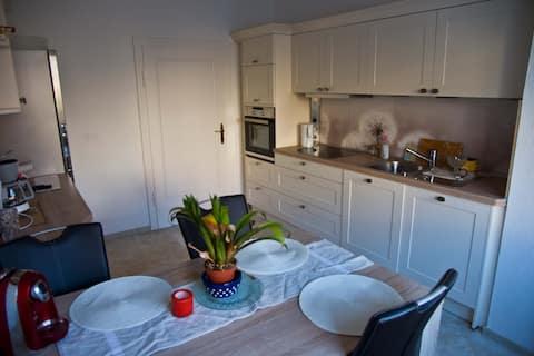 Gemütliche 2 Zmmer-Wohnung, modern, eigenes Bad