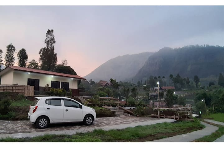 A quiet bedroom has nice view, 15km from Bromo