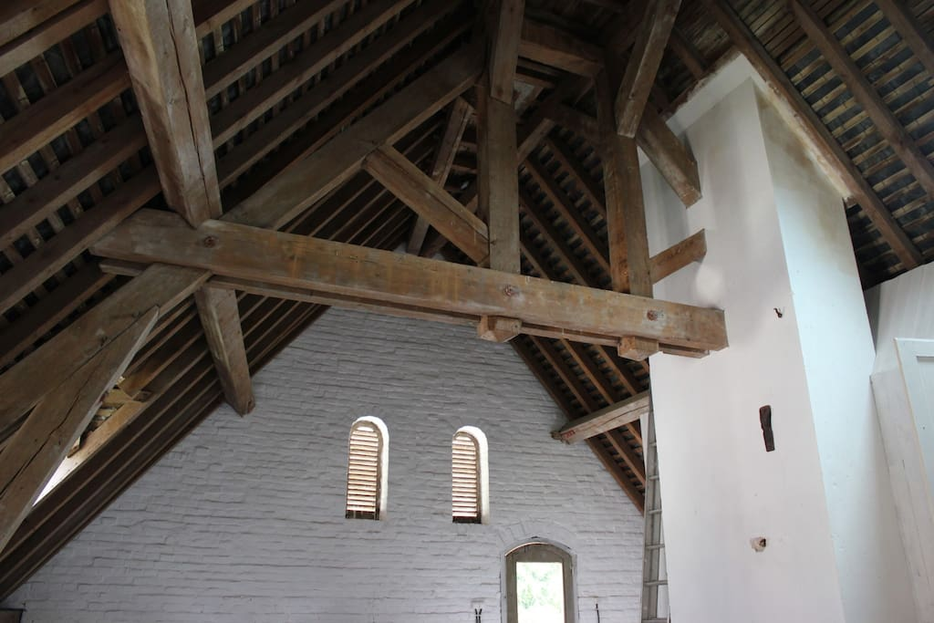 Original beams & features